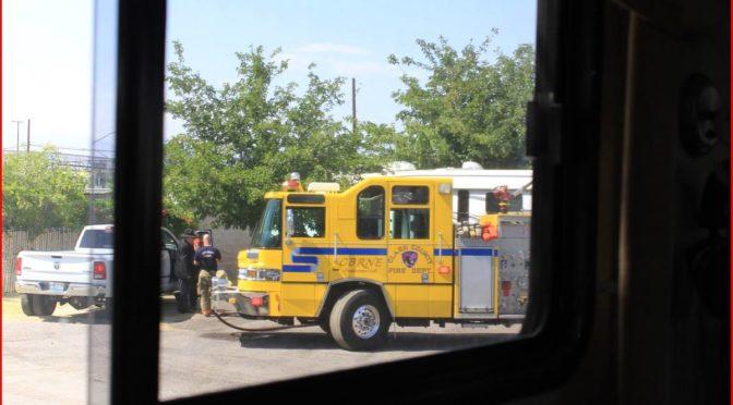 Wohnwagen in Flammen - Es brennt lichterloh